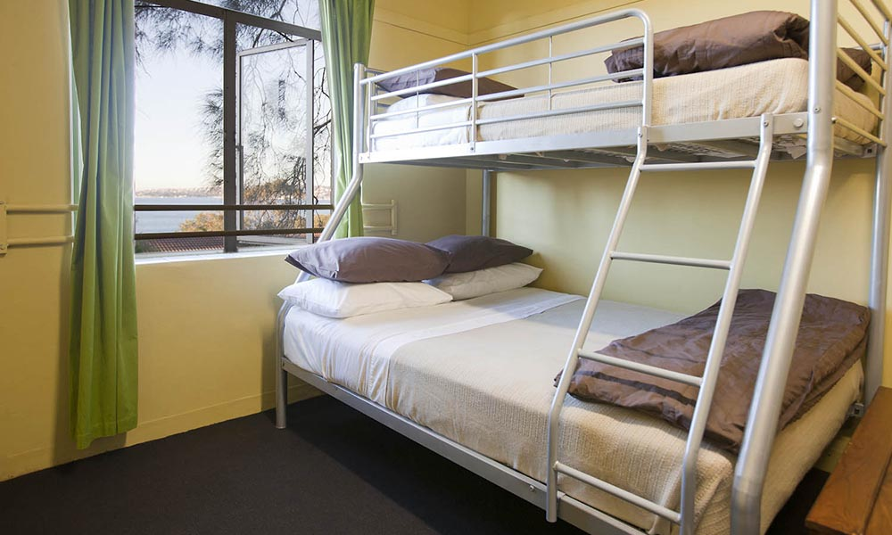 Bunk style rooms for school and groups, Sydney Harbour